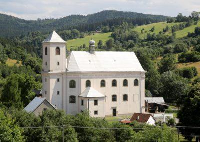 Rajnochovice_kostel_Narozeni_Panny_Marie_a_svate_Anny_E