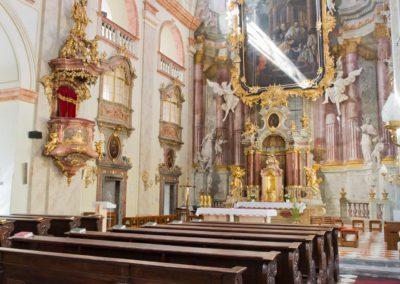 Uherske_Hradiste_kostel_sv_Frantiska_Xaverskeho_I